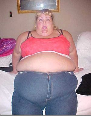 a2ec8-fat-woman-zipping-up-pants-2